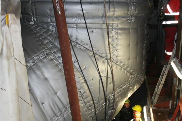 Marine teknisk isoleringspuder på scrubber Persolit Entreprenørfirma A/S